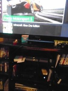 Xbox one like new come with 10 games / 3 terabyte hard  drive