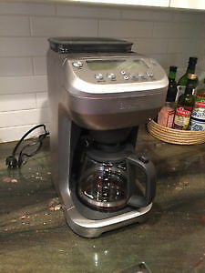 Coffee Maker - Breville BDC550XL (Nearly Brand New)