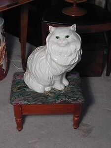Looking for Vintage Ceramic Cats