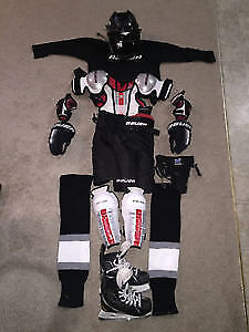 Youth/Boys full set of equipment with Helmet and Skates included