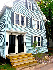 Large 2 Bedroom,Close to UNB/Sobeys/Downtown, Available July 1st