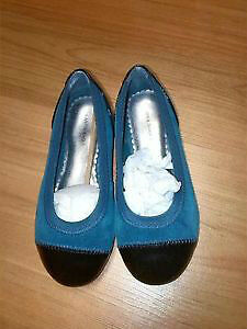 Land's End Girls' Classic Captoe Shoes -- Size 11. Brand new!
