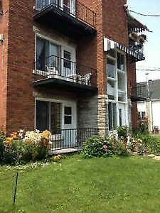 Longueuil 4 1/2 rent for $680