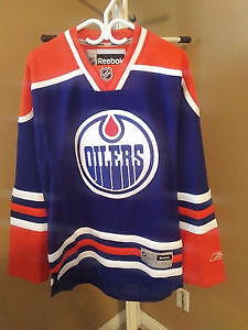 Oilers Jersey never wore.