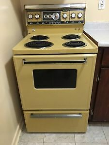 "Apartment size 24"" wide stove for sale Windsor Region Ontario image 1"