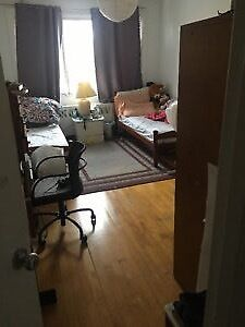 4 1/2 apartment for rent or sublease this April1st