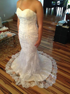 Very Elegant Wedding Dress! Come try it on! It`s new!