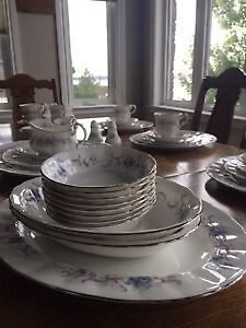 Paragon Dishes (Romance Pattern) all for $500 Kitchener / Waterloo Kitchener Area image 5