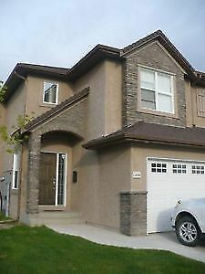 Stonebridge 3 Bedroom Townhouse with Garage for Rent Feb 1/18
