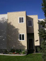 Bright, Upgraded Millwoods Townhouse!!