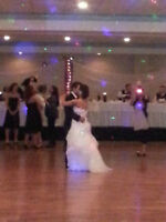 PRO WEDDING DJ WITH AMAZING MUSIC & LIGHTS FOR YOUR SPECIAL DAY!