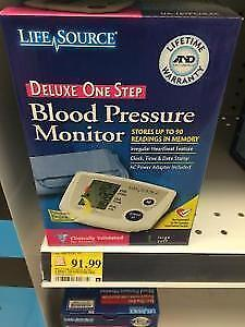 Blood Pressure Monitor / Tensiomètre