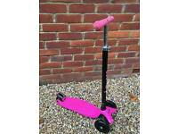 Maxi Micro Scooter pink and black