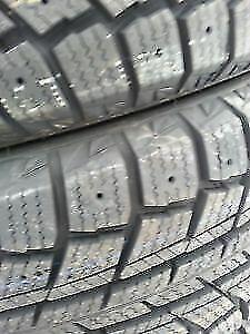 4 pneus hiver 225 40 R18 tres bonne etat