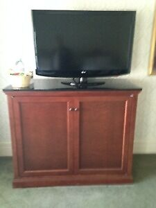 PHILIPS 39 INCH FLAT SCREEN TV