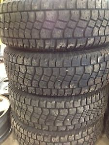 Four Avalanche Extreme Lt 245/70r17 studded