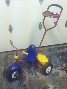 Radio Flyer Steer and Stroll Tricycle / Bike