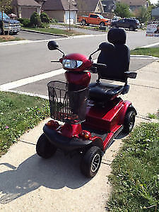 Invacare Pegasus Scooter scooter 400 lbs capacity Like New