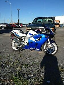 selling my 1997 gsxr 600 Runs perfect and almost a classic!