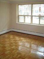 ★ AMAZING Deal in Toronto★ Large 1 BDRM APT safe small building