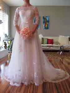 Vintage inspired Wedding Dress with 3/4 Sleeves!