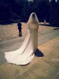 WEDDING ........DRESS ...FREE VAIL AND PURSE.............offer