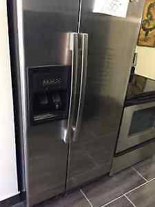 refrigerateur stainless et cuisiniere stainless