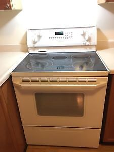 White *WHIRLPOOL* GlassTop Stove (FREE DELIVERY & More!)