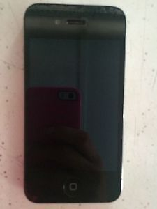 iPhone 4S 16 GB UNLOCKED ***LIKE NEW*** + Cases
