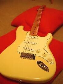 WANTED RICHWOOD STRAT COPY CUSTARD COLOUR-MANCHESTER