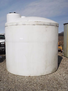 VERTICAL POLY STORAGE TANK - 2100 GALLONS