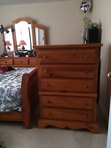 Solid Pine Queen Sleigh BedroomSet plus Bonus side tables