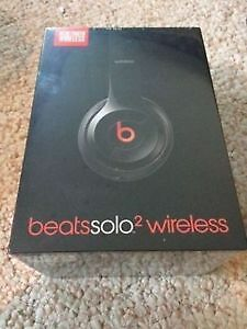Beats by Dr. Dre Solo2 Wireless Headphones - Number: MHNG2AM/A W