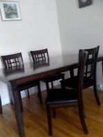 Brault & Martineau  Dining table and 4 chaires 100% leather