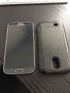 Samsung Galaxy S4 and Otterbox Commuter Case