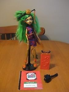 MONSTER HIGH DOLLS  ROBECCA STEAM AND JINAFIRE