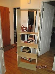 Book shelves/ etagere