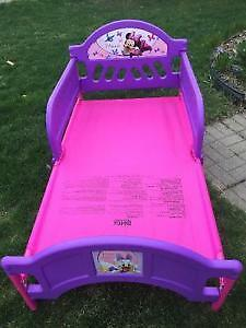 Toddler bed pink London Ontario image 1