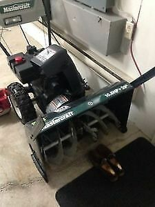 "SNOWBLOWER MASTERCRAFT 10.5 HP 29"" - EXCELLENT CONDITION"
