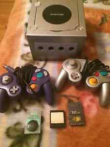 Gamecube+12 games(paper mario+mario kart double dash+others)