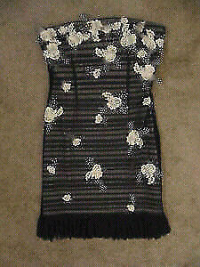 Does not fit - make an offer on this dress