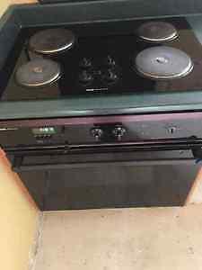 Jenn Air glass cooktop and range / oven / stove Gatineau Ottawa / Gatineau Area image 2