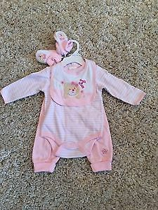BRAND NEW BABY GIRL 4PIECE OUTFIT SET SIZE 3/6 MONTHS