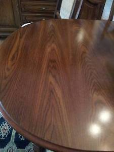Beautiful Wooden Dining Table & 6 chairs, Excellent like NEW! West Island Greater Montréal image 3