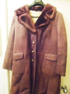 Women's Full Length Vintage Real Sheerling coat - sz 12-14