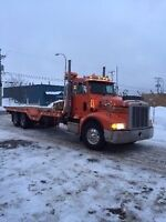 Peterbilt Towing 10 roues plate forme 28 pieds (2004)
