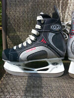 Easton Skates Youth size 4.5