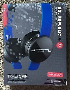 Sol Republic Tracks Air Blue (Great Condition)