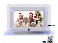"DIGIFLEX 7"" White Digital Photo Frame"