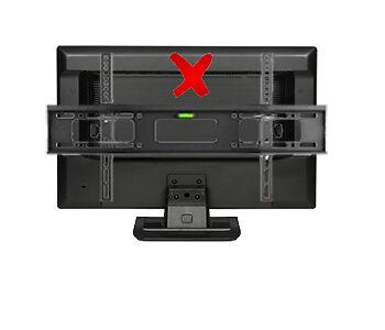 Wenn die Halterung zu große Abmessungen hat, ragt sie bei manchem Bildschirm über die Seiten hinaus.